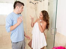Brandii takes a shower with her son's majority charming friend